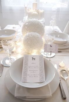 white Christmas, place cover, elegant, silver, #white, decoration, glitter, fairy lights, simple, reindeers, candles -  weiße Weihnachten, #Tischgedeck, elegant, silber, #weiß, Dekoration, Glitzer, Lichterkette, schlicht, Rentiere, Kerzen