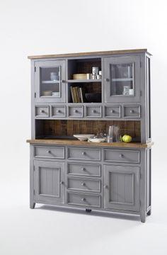 Stort og meget innholdsrikt Byron kjøkkenskap med en rustikk grå finish. Skapet er  produsert av resirkulert furu.