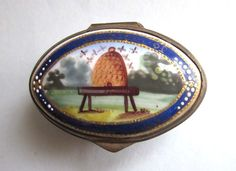 Antique Georgian Bilston Enamel Pill Patch Snuff Box Bees Hive Emblem Industry