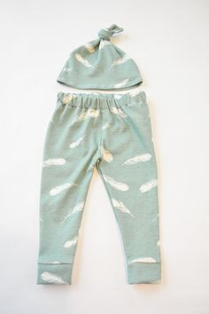 So perfect! Organic Leggings- Dusty Blue Cream Feathers, Soft thick fabric, cuffed pants, Gender Neutral, Baby shower gifts.