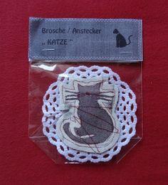 """Anstecker KATZE  """"MIAU """" von Motte by Monte Klamotte auf DaWanda.com"""