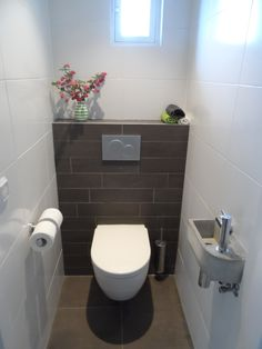 How to Create Bathroom that Fit Best Toilet Closet – Anika Burmeister – Badezimmer Small Toilet Design, Small Toilet Room, Guest Toilet, Small Bathroom, Clockroom Toilet, Small Toilet Decor, Bathroom Tile Designs, Bathroom Layout, Cloakroom Toilet Downstairs Loo