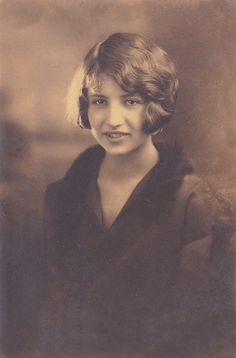 A beautifully composed and light 1920s portrait of a young woman sporting bobbed hair. #portrait #vintage #woman #1920s #twenties