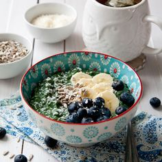 Spirulina chia pudding recipe - power breakfast to the max. Creamy and sweet pudding, nutritionally dense to give you the energy you need for the day. 3 caused crash an hour after finishing Gluten Free Recipes For Breakfast, Vegan Recipes, Brunch Recipes, Spirulina Recipes, Sea Weed Recipes, Pudding Recipes, Vegan Pudding, Dessert For Dinner, Diet Snacks
