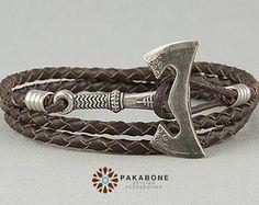 Axt-Armband Armband mit großer Axt Armband mit Axt Viking Source by honzabrouzdal Ammo Jewelry, Pagan Jewelry, Viking Jewelry, Leather Jewelry, Jewelry Art, Jewelery, Wand Tattoo, Schmuck Design, Ring Bracelet