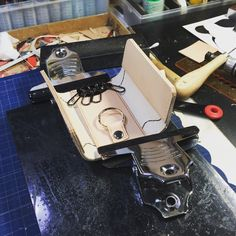 まだダラダラやってます(笑) 夕食の準備手伝わなくちゃなのでココまで|ω・`)ショボ #LeatherCraftl #handmade #レザークラフト #革 #キーケース