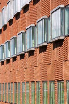 Brickwork detailing at the Danish Meat Research Institute - CF Moller
