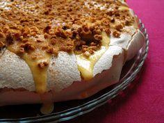 Portuguese Desserts, Portuguese Recipes, Portuguese Food, Asian Recipes, Sweet Recipes, Ethnic Recipes, Meringue Pavlova, Sweet Pie, Home Food