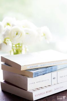 How To Start A Book Club -- 5 tips for creating a book club that's awesome (and that will last). | gimmesomeoven.com/life