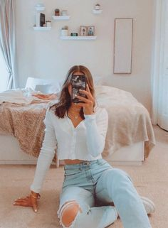 outfit goals for school casual ~ outfit goals for school ; outfit goals for school casual ; outfit goals for school winter Teen Fashion Outfits, Mode Outfits, Retro Outfits, Look Fashion, Fall Outfits, Crop Top Outfits, Fashion Tips, Best Outfits, Cotton On Outfits