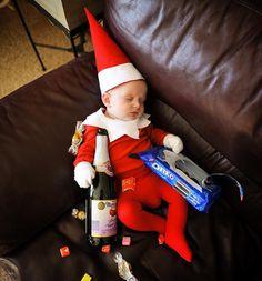 Funny Christmas Photos, Xmas Photos, Family Christmas Pictures, Babies First Christmas, Christmas Baby, John David, Newborn Pictures, Funny Baby Pictures, Christmas Photography