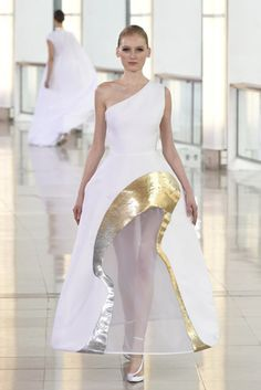 Stephane Rolland Couture Spring Summer 2015 Paris look 20 Style Couture, Couture Fashion, Runway Fashion, Fashion News, Fashion Show, Crazy Fashion, Fashion Images, Paris Fashion, Stephane Rolland