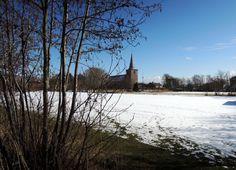 De kerk van Hoorn, in de sneeuw.