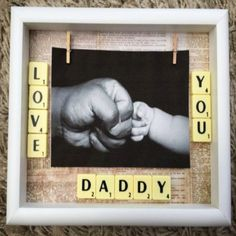 DIY Father's Day Gifts from Kids - Quick & Easy Gifts for Dad 2019 Handmade Father's Day gift - this picture frame is ADORABLE! See More DIY Fathers Day Gifts From Kids - Quick and Easy Father's Day crafts and gift ideas Handmade Father's Day Gifts, Diy Father's Day Gifts Easy, Easy Fathers Day Craft, Diy Gifts For Dad, Fathers Day Presents, Father's Day Diy, Daddy Gifts, Fathers Gifts, Diy Father's Day Presents
