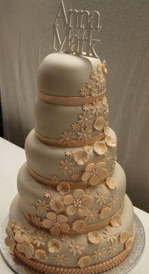 Millis tårtor och annat: Tårta: Bröllop och Kärlek