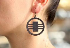 These are laser cut circle earrings made from vegetable tanned cowhide leather. Leather Earrings, Cowhide Leather, Drop Earrings, Trending Outfits, Unique Jewelry, Handmade Gifts, Etsy, Vintage, Kid Craft Gifts