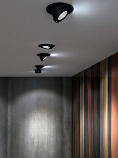 spot encastrable au plafond halog ne lin aire syst me cardan corner 8147 by oscar. Black Bedroom Furniture Sets. Home Design Ideas
