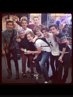 Tyler Oakley, Caspar Lee, Marcus Butler, Troye Sivan, & The Vamps all in the same picture!