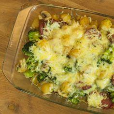 Broccoli ovenschotel met Mini-Krieltjes en salami - Cela Vita Mini, Mashed Potatoes, Cauliflower, Vegetables, Ethnic Recipes, Drinks, Food, Drinking, Cauliflowers