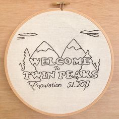 Twin Peaks Hand Embroidery Hoop Art Wall Art Decor by emptydotroom Hand Embroidery Projects, Wooden Embroidery Hoops, Hand Work Embroidery, Learn Embroidery, Hand Embroidery Stitches, Embroidery Hoop Art, Hand Embroidery Designs, Cross Stitch Embroidery, Embroidery Ideas