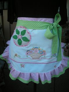 Apron❤ ❤ ❤ I think this is made from an old pillow case or a table scarf.