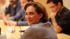 La alcaldesa Ada Colau preside la primera comisión de Gobierno en el Ayuntamiento de Barcelona.