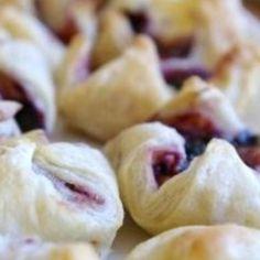 Black Raspberry-Brie Bites