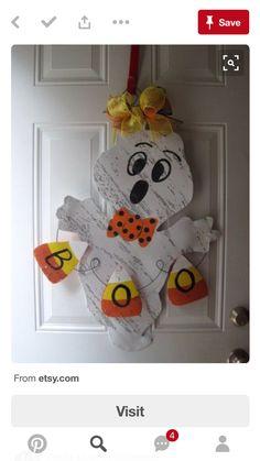 Halloween/Thanksgiving Door Hanger by WiredupbyMellie Mummy Crafts, Halloween Wood Crafts, Halloween Signs, Halloween Projects, Fall Crafts, Fall Halloween, Holiday Crafts, Halloween Decorations, Diy Crafts