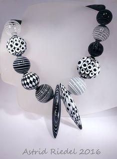 OP-Art Blown beads: