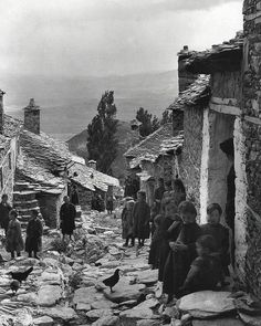 Frederic Francois Boisson was the first foreign photographer in Greece. He spent three decades taking photos of Greece's villages and landscapes. Greece Photography, History Of Photography, Vintage Photography, Old Pictures, Old Photos, Vintage Photos, Greece Pictures, Greece History, Frederic