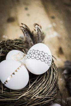 61 ideas for origami decoration diy holidays Egg Crafts, Easter Crafts, Hoppy Easter, Easter Eggs, Spring Decoration, Origami Decoration, Diy Decoration, Diy Osterschmuck, Easter Egg Designs
