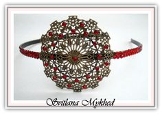 Serre tête metal bronze estampe filigranée incrusté de strass rouges : Accessoires coiffure par perles-et-couronnes