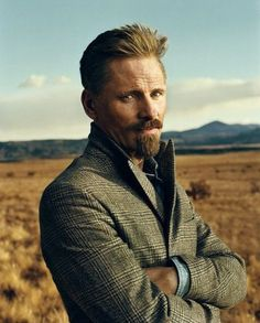 Viggo Mortensen-I think this is the best picture I've ever seen of him!