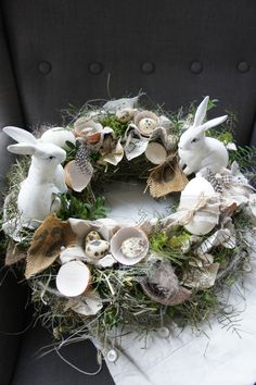 A very nice table wreath that brings subtle freshness into the room ., A very nice table wreath that brings subtle freshness into the room . on a straw wreath tied around with hay, two beautiful rabbits dance and ringin. Diy Spring Wreath, Diy Wreath, Door Wreaths, Wreath Ideas, Easter Wreaths, Christmas Wreaths, Christmas Ornaments, Diy Osterschmuck, Beautiful Rabbit