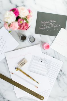 Tips to write straight with Laura Hooper Calligraphy