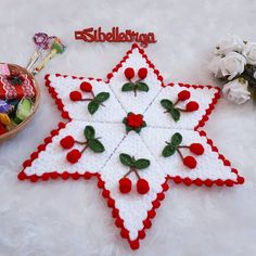 Crochet Granny, Crochet Doilies, Crochet Flowers, Woolen Craft, Lace Patterns, Diy And Crafts, Fiber, Christmas Ornaments, Knitting