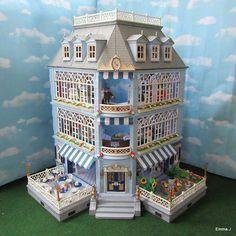 Fortnum & Mason | Emma.J's Playmobil Victorian Books, Victorian Flowers, Victorian Dollhouse, Modern Dollhouse, Dollhouse Supplies, Dollhouse Kits, Barbie Furniture, Dollhouse Furniture, Home Deco