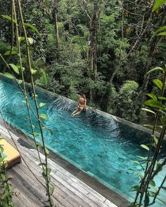 25 best hotel swimming pools in the world - .- 25 besten Hotel-Schwimmbäder der Welt – 25 best hotel swimming pools in the world – # Hotel swimming pools - Hotel Swimming Pool, Swimming Pool Designs, Natural Swimming Pools, Natural Pools, Beautiful Pools, Beautiful Places, Piscina Do Hotel, Beste Hotels, Bali Resort