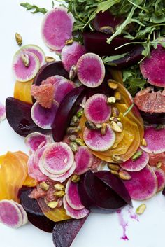 Beets and Watermelon Radish Salad Watermelon Radish, Radish Salad, Turnip Salad, Food Salad, Carrot Salad, Think Food, Love Food, Raw Food Recipes, Healthy Recipes