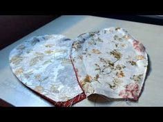 Tapete flor de retalhos - YouTube Diy Arts And Crafts, Clay Crafts, Recycled Rugs, Applique Patterns, Soft Furnishings, Fabric Flowers, Projects To Try, Creations, Couture