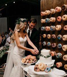 Donuts wedding #weddingfood #wedding #donuts #weddingcake