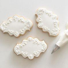 Cookie art | sweetambs   cookie art cookies white frosting baroque