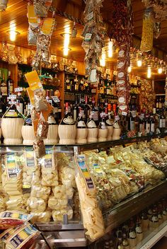 Florence Italy - Pasta, Chanti, Great Italian Food, Vino!