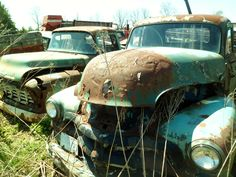 antique cars ... love love love the old trucks!