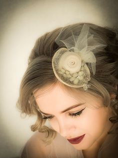 Rita Daly is an award winning Irish milliner who designs and makes high quality exclusive hats and headdresses for weddings,race meetings and all special occasions. Pearl Earrings, Hats, Accessories, Jewelry, Fashion, Jewellery Making, Moda, Jewerly, Hat