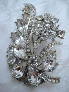 Vintage 1950s EXQUISITE Silvertone & Diamante Flower Bouquet Brooch XMAS SPARKLE #Exquisite