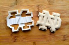Notre Dame Cookie Cutter by ThePrintingPavilion on Etsy Notre Dame Football, Notre Dame Game Day, Notre Dame Logo, Notre Dame Irish, Crimson Tide Football, Alabama Crimson, Oregon Ducks Football, Ohio State Football, College Football