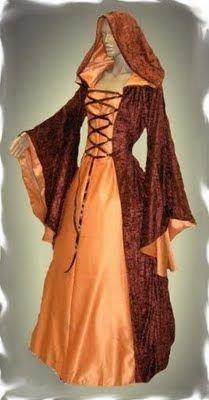 Estos ropajes eran los típicos entre las mujeres medievales. Eran holgados y cómodos. Y podían ser de distintas telas. Dependiendo de la clase social a la que pertenecían.