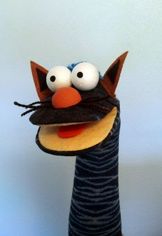 Sock Puppets, Hand Puppets, Crafts To Make, Crafts For Kids, Arts And Crafts, Sock Toys, Sock Animals, Sewing Dolls, Pretty Cats