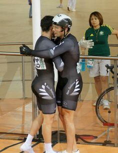 Photo of the Day. A one photo post featuring anything about track cycling. Track Cycling, Cycling Wear, Cycling Outfit, Lycra Men, Lycra Spandex, Mens Leotard, Men In Tight Pants, Sports Pictures, Butt Workout